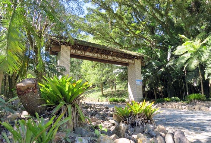 Entrada do Parque das Gutas de Botuverá