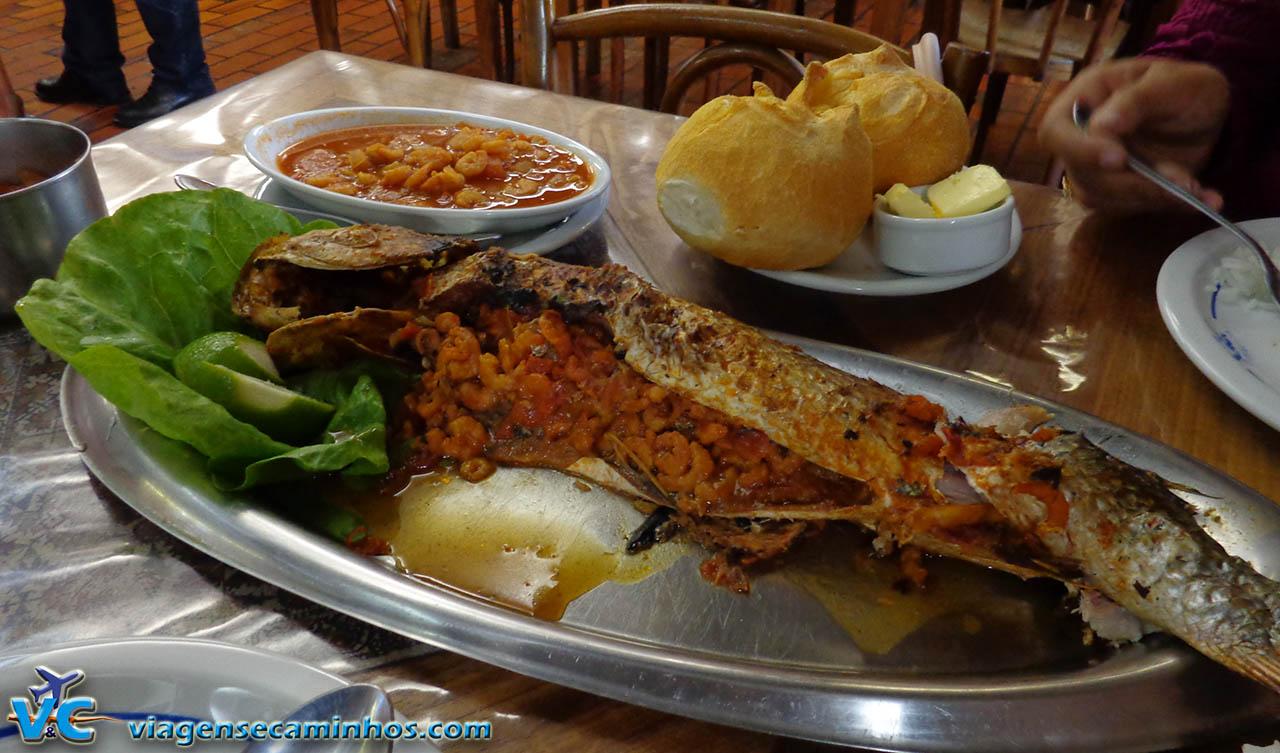 Tainha recheada com camarão - restaurante Gambrinus
