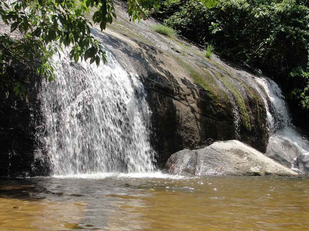 Cachoeira dos Três Tombos - Ilhabela