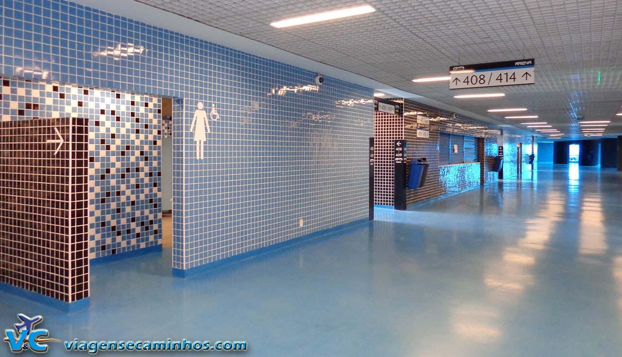 Área dos banheiros da Arena do Grêmio