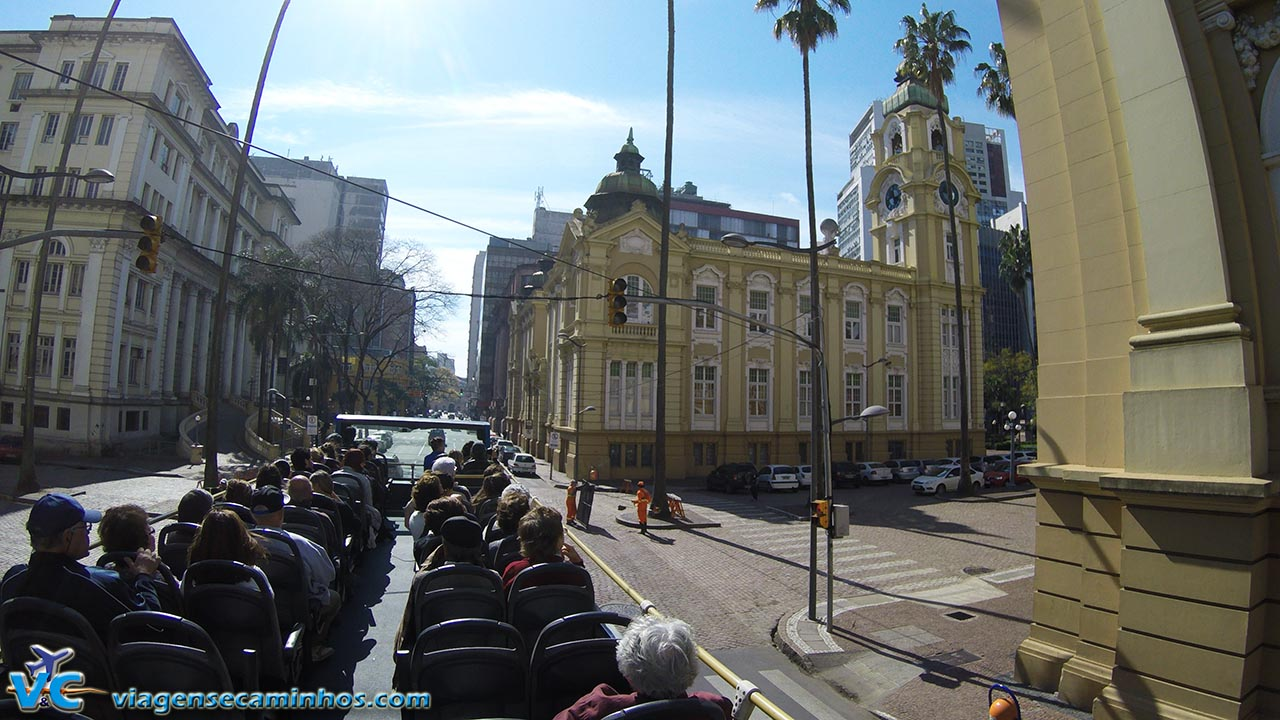 Linha Turismo passando pelo MARGS e Memorial do Rio Grande do Sul