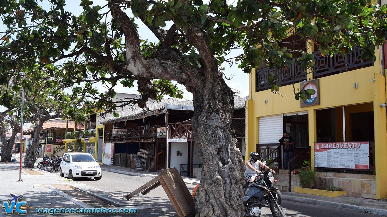 Restaurantes na Avenida Beira Rio, em Barreirinhas