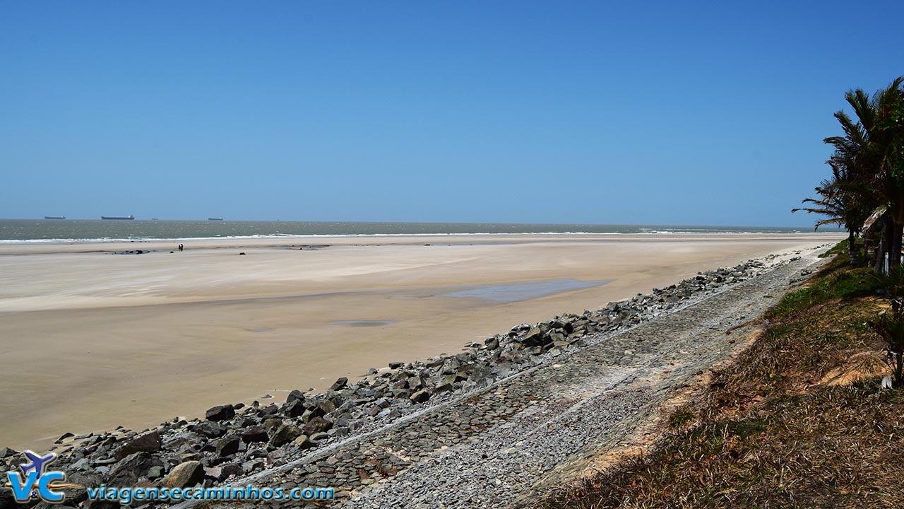 São Luís - Praia Calhau na maré baixa