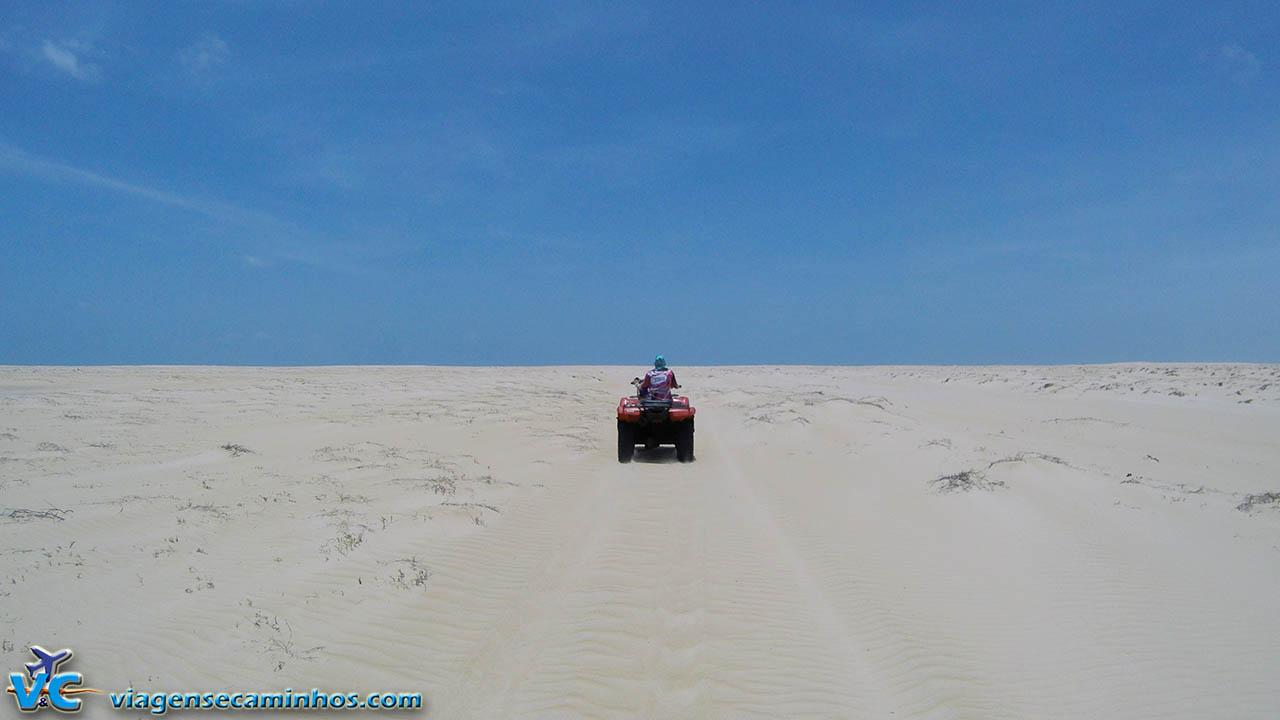 Excursão de quadriciclo até Caburé