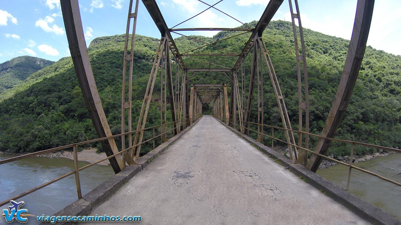 Nova Roma do Sul - Ponte de Ferro do Rio das Antas