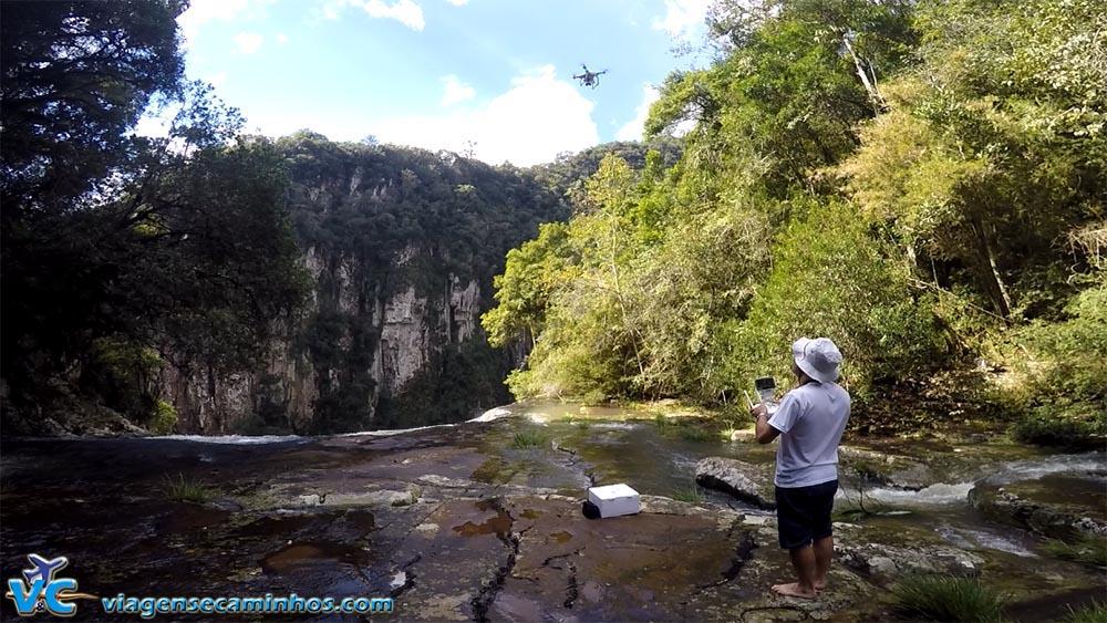 Decolando o drone em cima da cachoeira da Usina, em Campestre da Serra - RS