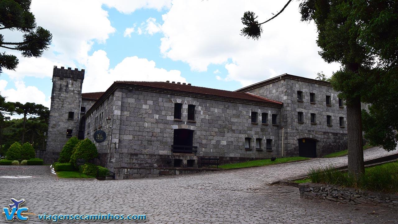 Vista lateral do Castelo Chateau Lacave - Caxias do Su