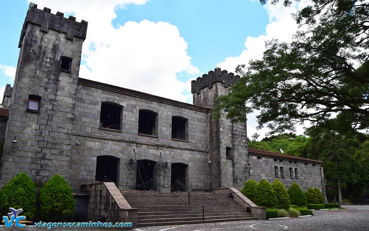 Vista frontal do Castelo Chateau Lacave - Caxias do Su