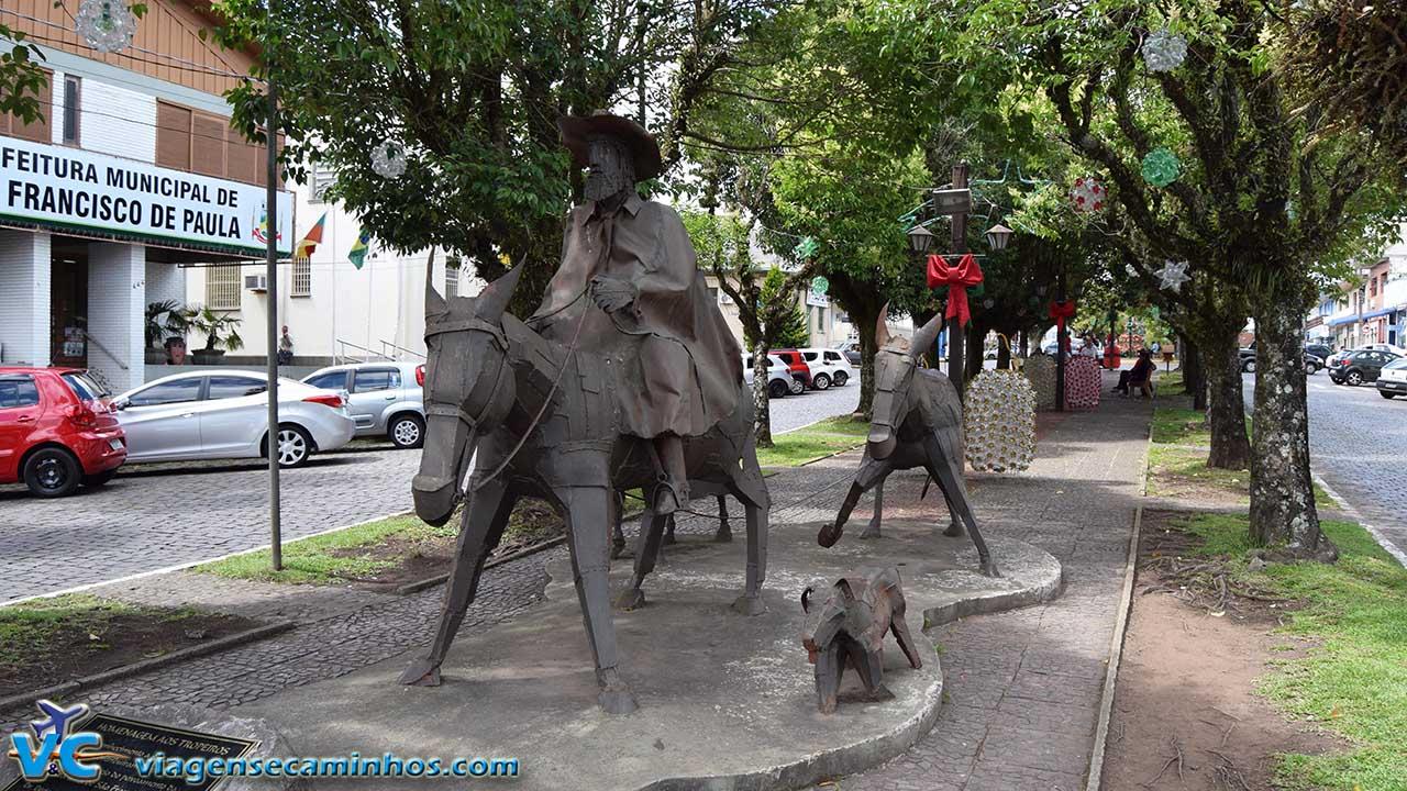 Monumento em Homenagem aos Tropeiros